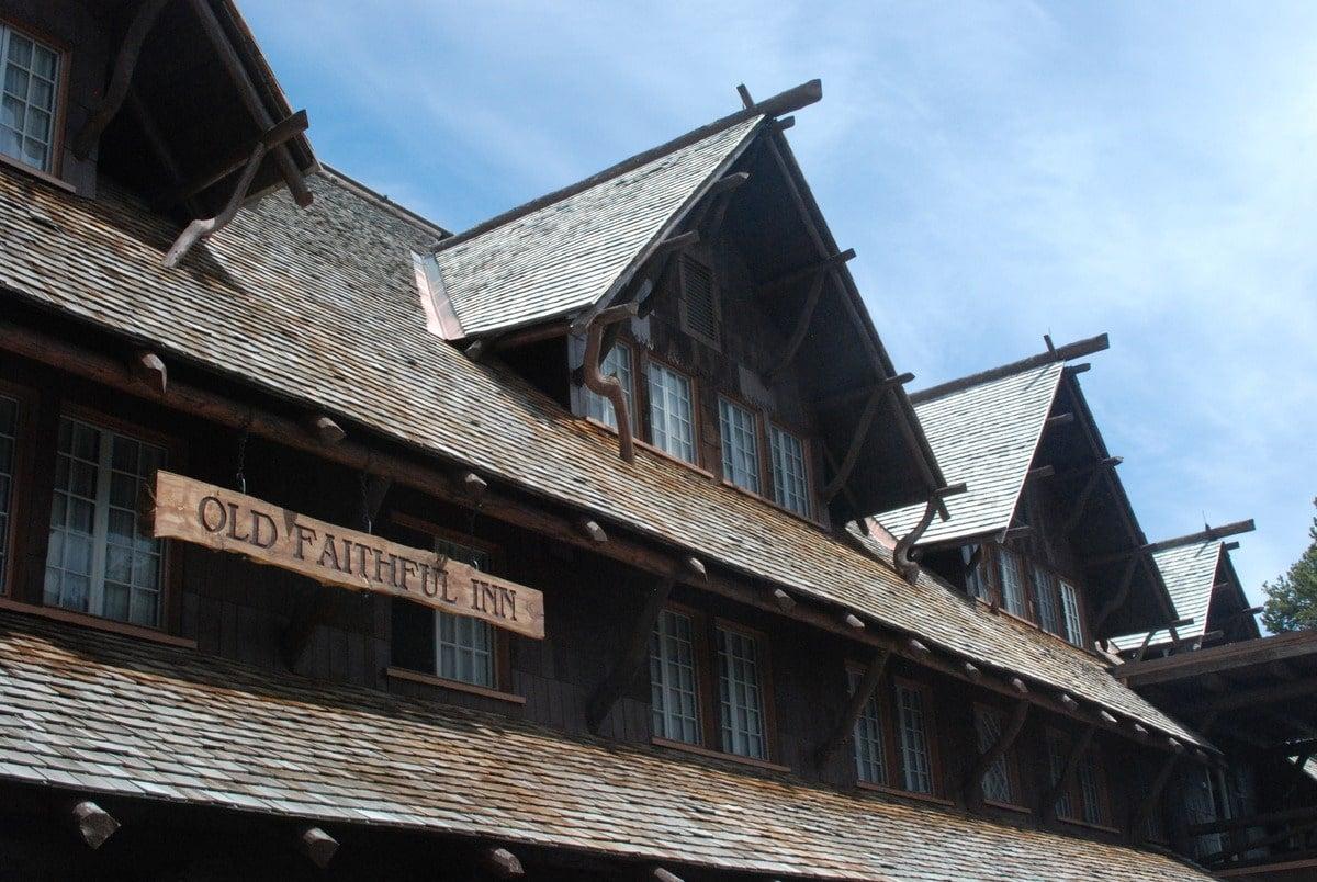 Old_Faithful_Inn